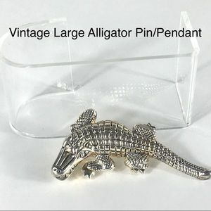 VTG Alligator Textured Goldtone Large  Pin/Pendant
